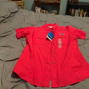 COLUMBIA PFG Women's NWT Pink SS Button Up. Size L